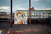 Aune Sand, Marianne Auli, datteren Aella Malove Bluebell Marie Ingeborg Hjørdis Sand Aulie og Aunes sønn Andrey viser fram familiekollektivet over Sand Gallery i West Village i New York.