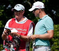 03.06.2010, Celtic Manor Resort and Golf Club, Newport, ENG, The Celtic Manor Wales Open 2010, im Bild Niclas Fasth (SWE) and his caddie Gerry Byrne discuss yardage. EXPA Pictures © 2010, PhotoCredit: EXPA/ M. Gunn / SPORTIDA PHOTO AGENCY