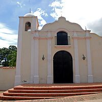 Vista externa de la iglesia de Nuestra Señora de la Candelaria, La Victoria, Edo. Aragua. Venezuela. La Victoria, Julio, 15 del 2010. Jimmy Villalta
