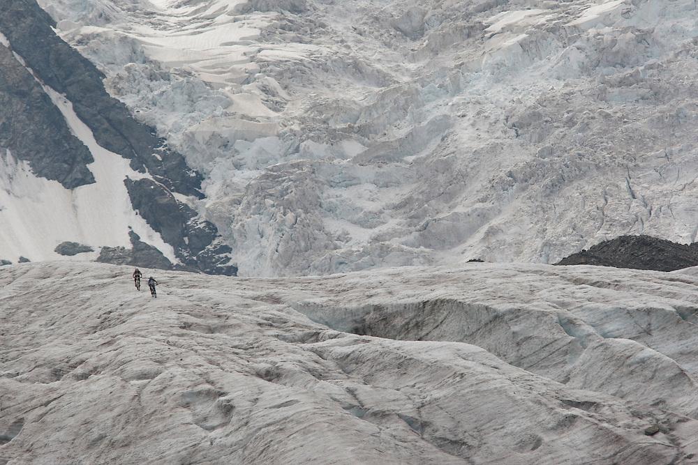Rider: René Wildhaber and Ross Schnell.Location: Pontresina(Switzerland)