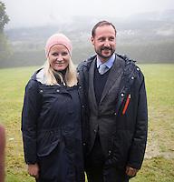 NITTEDAL, 20150917: Kronprinsparets fylkestur i Akershus hvor Kronprins Haakon og Kronprinsesse Mette-Marit besøker NIttedal. Her på Aas Gård.  FOTO: TOM HANSEN