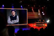 RTL Najaarspresentatie 2014 - Aankomst gasten bij Studio 21 in Hilversum.<br /> <br /> op de foto:  Humberto Tan in gesprek met Erland Galjaard over Menno Buch