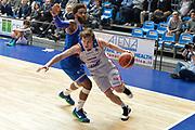 DESCRIZIONE : Cantu, Lega A 2015-16 Acqua Vitasnella Cantu' Enel Brindisi<br /> GIOCATORE : Brad Heslip<br /> CATEGORIA : Penetrazione<br /> SQUADRA : Acqua Vitasnella Cantu'<br /> EVENTO : Campionato Lega A 2015-2016<br /> GARA : Acqua Vitasnella Cantu' Enel Brindisi<br /> DATA : 31/10/2015<br /> SPORT : Pallacanestro <br /> AUTORE : Agenzia Ciamillo-Castoria/I.Mancini<br /> Galleria : Lega Basket A 2015-2016  <br /> Fotonotizia : Cantu'  Lega A 2015-16 Acqua Vitasnella Cantu'  Enel Brindisi<br /> Predefinita :