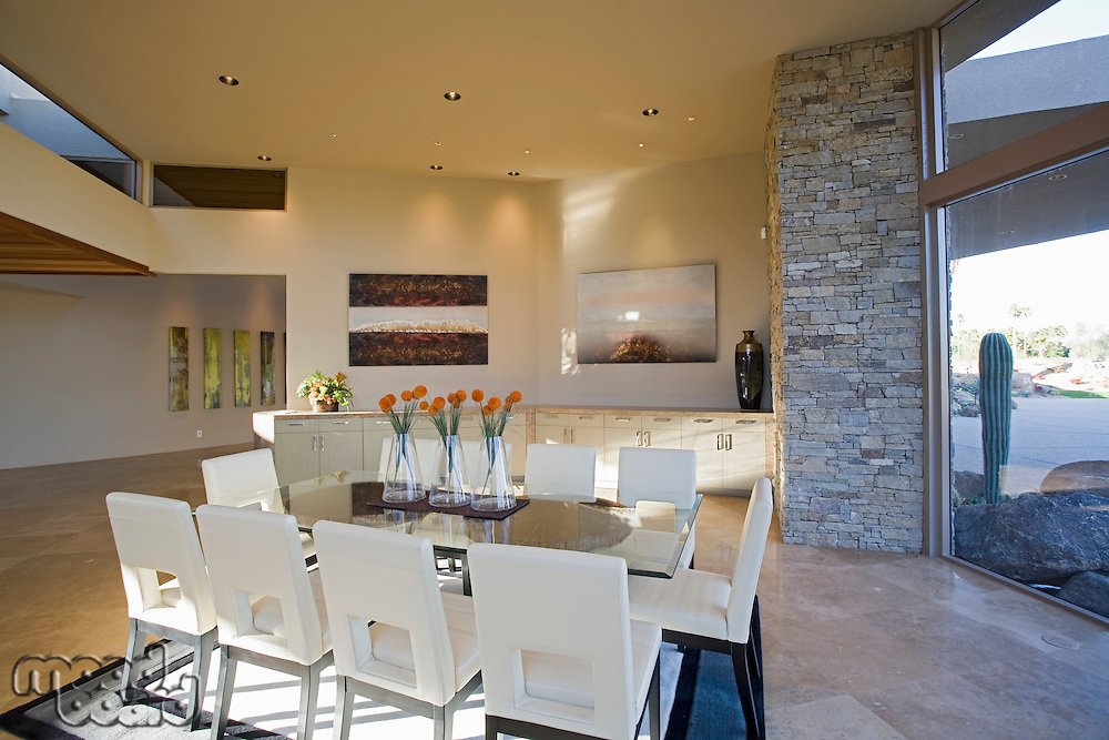 Sunlit Palm Springs dining room