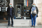 Facemasks Gloves Situations Coronavirus  Paris