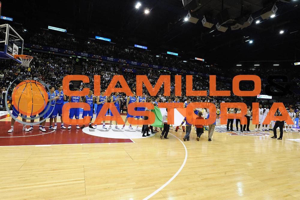 DESCRIZIONE : Milano Agos Ducato All Star Game 2011<br /> GIOCATORE : Nazionale Italiana<br /> SQUADRA : Italia Nazionale Maschile<br /> EVENTO : All Star Game 2011<br /> GARA : Italia All Star Team<br /> DATA : 13/03/2011<br /> CATEGORIA : Presentazione<br /> SPORT : Pallacanestro<br /> AUTORE : Agenzia Ciamillo-Castoria/GiulioCiamillo<br /> Galleria : FIP Nazionali 2011<br /> Fotonotizia :  Milano Agos Ducato All Star Game 2011<br /> Predefinita :