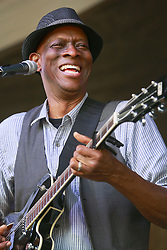 26 April 2014. New Orleans, Louisiana.<br /> Keb Mo plays the New Orleans Jazz and Heritage Festival. <br /> Photo; Charlie Varley/varleypix.com