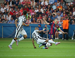 06-06-2015 GER: UEFA Champions League final Juventus - Barcelona, Berlin<br /> Arturo Vidal (Juventus Turin #23) im Zweikampf gegen Andres Iniesta (FC Barcelona #8) waehrend during the UEFA Champions League final match between Juventus FC and Barcelona FC at the Olympia Stadion in Berlin<br /> <br /> ***NETHERLANDS ONLY***