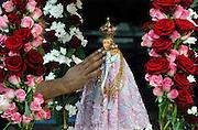 Duitsland, Kevelaer, 6-8-2005Ter gelegenheid van Maria hemelvaart op 15 augustus komen sinds 1987 duizenden katholieke Tamils uit heel Europa naar Kevelaar om hun jaarlijkse bedevaart te doen. Mariaverering, pelgimstocht, bedevaartsplaats, katholicisme, vermenging Hindu, Hindoe met christendom.vanwege de drukte op 15 augustus is hun gevraagd de viering eerder te houden.Foto: Flip Franssen