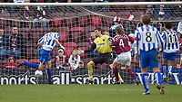 Fotball<br /> Skottland 2004/2005<br /> Foto: SBI/Digitalsport<br /> NORWAY ONLY<br /> <br /> Hearts v Kilmarnock, Scottish Cup fourth round, Tynecastle Park, Edinburgh. 05/02/2005<br /> <br /> Craig Gordon is beaten by Colin Nish for killie equaliser