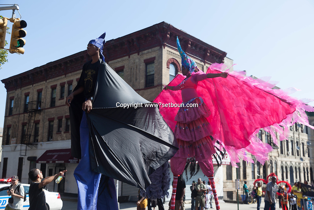 New York. Brooklyn. Children parade, the West Indian American Day Parade & Carnival in Brooklyn,   ,  the city's biggest parade, celebrates its 41st anniversary / Brooklyn , New york , defile des enfants,  41 em parade  des africains de l ouest et des caraibes