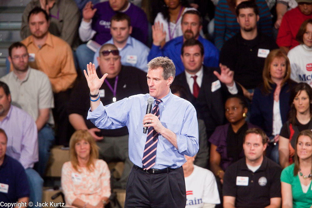 05 MARCH 2010 - PHOENIX, AZ:  Sen. Scott Brown (R-MA) campaigns for Sen. John McCain at Grand Canyon University in Phoenix. McCain is facing a tough primary battle from former Republican Congressman JD Hayworth. McCain has Scott Brown (R-MA) and Sarah Palin campaigning for him. Both men are courting the Tea Party activists but so far the Tea Party has refused to endorse either candidate.        PHOTO BY JACK KURTZ