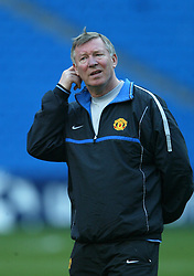 MADRID, SPAIN - Monday, April 7, 2003: Manchester United's manager Alex Ferguson training at the Estadio Santiago Bernabeu ahead of his side's Champions League Quarter Final 1st Leg match with Real Madrid. (Pic by David Rawcliffe/Propaganda)