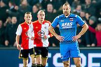 ROTTERDAM - 03-03-2016, Feyenoord - AZ, stadion de Kuip, teleurstelling bij AZ speler Ron Vlaar na de 1-0.