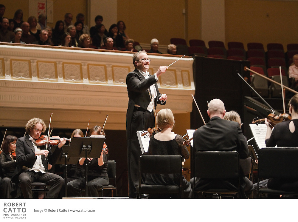 The Vector Wellington Orchestra perform a programme of Piazzolla, Beethoven (with soloist Michael Houstoun) and Haydn, conducted by Marc Taddei.
