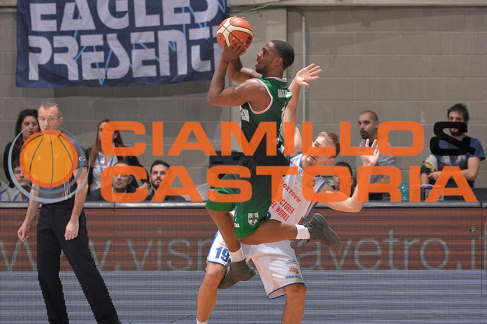 Joe Ragland<br /> Red October Pallacanestro Cantu - Sidigas Scandone Avellino<br /> Lega Basket Serie A 2016/2017<br /> Desio, 12/12/2016<br /> Foto Ciamillo-Castoria