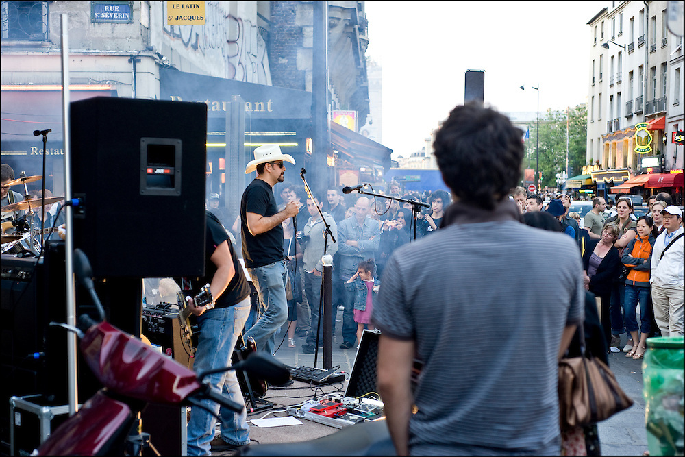 """Fete de la musique"" in the centre of Paris on June 21th, 2009. ©Benjamin Girette"
