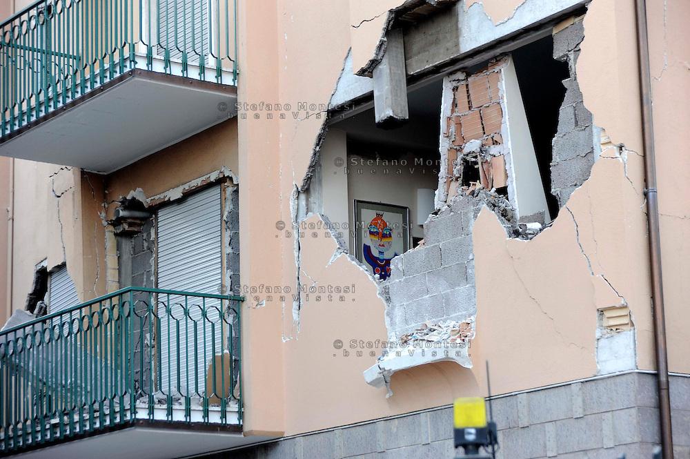 Roma 6 Aprile 2009.L'Aquila Abruzzo.Edifici danneggiati dalle scossa di terremoto in via XX Settembre.Buildings damaged by earthquake.