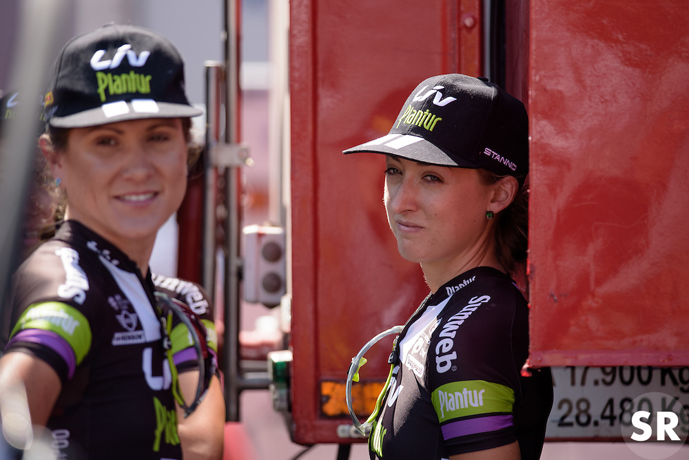 Leah Kirchmann (Liv Plantur) finds some shade at Madrid Challenge by La Vuelta an 87km road race in Madrid, Spain on 11th September 2016.