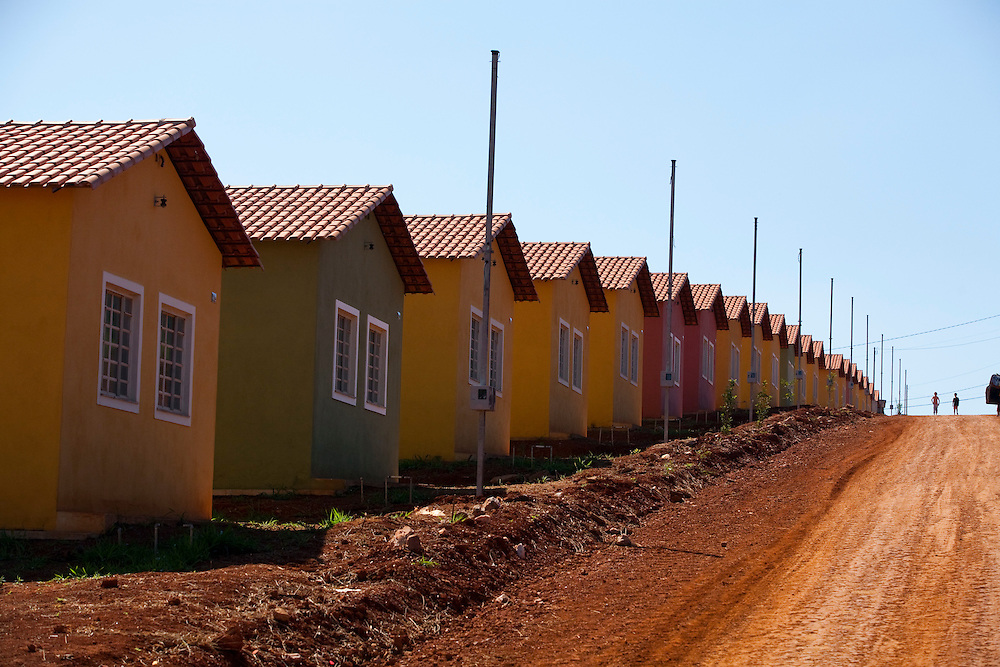 Mateus Leme_MG, Brasil...Conjunto habitacional na cidade de Mateus Leme. ..Housing state in Mateus Leme...FOTO: LEO DRUMOND / NITRO