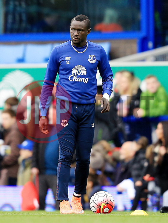 Everton's Oumar Niasse warms up - Mandatory byline: Matt McNulty/JMP - 19/03/2016 - FOOTBALL - Goodison Park - Liverpool, England - Everton v Arsenal - Barclays Premier League