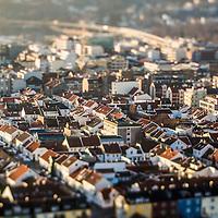 Kristiansand sentrum om vinteren med den karikaristiske kvadraturen som preger byen. Tiltshift objektiv er brukt for &aring; f&aring; en miniatyr f&oslash;lelse.<br /> <br /> Kristiansand city centre in the wintertime from the air with the recognisable grid of city blocks. Tiltshift lens is used for miniature look