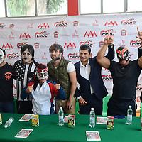 Toluca, México (Septiembre 21, 2016).- Francisco Farfán, Director del Imcufidet, acompañado de luchadores de la AAA durante conferencia, donde anunciaron el espectáculo de Lucha Libre en el Gimnasio Agustín Millán el próximo 29 de Septiembre. Agencia MVT / Arturo Hernández.