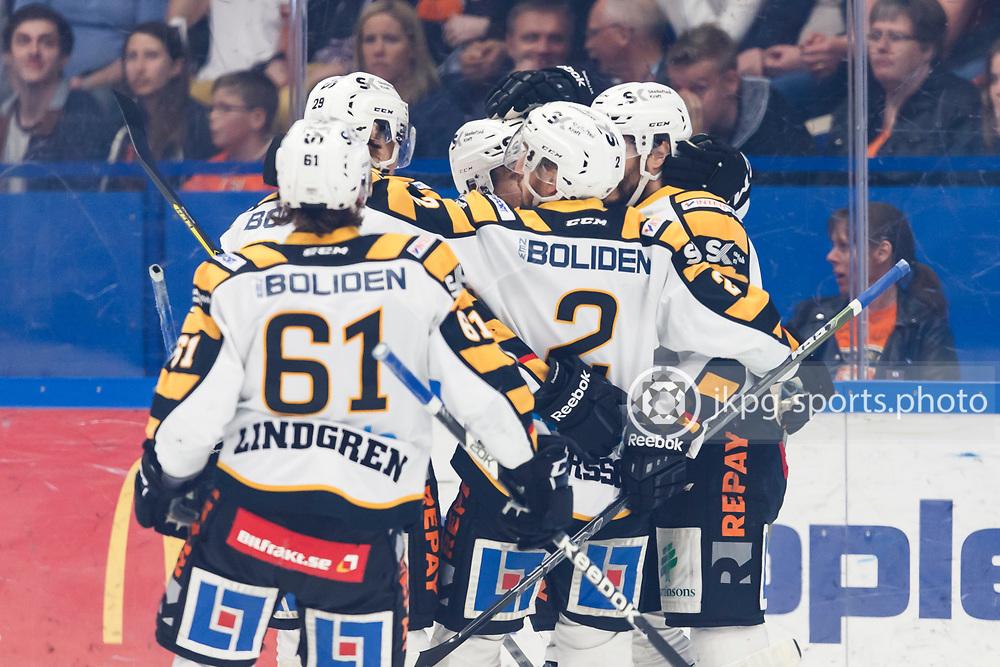 150423 Ishockey, SM-Final, V&auml;xj&ouml; - Skellefte&aring;<br /> Jubel i Skellefte&aring; AIK efter m&aring;l 0-1 av Daniel Widing.<br /> &copy; Daniel Malmberg/Jkpg sports photo