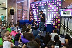 Tato Tarcan e Prof. Maury durante palestra F*ck the podcast, no youPIX 2012, em Porto Alegre. FOTO: Emmanuel Denaui/Preview.com