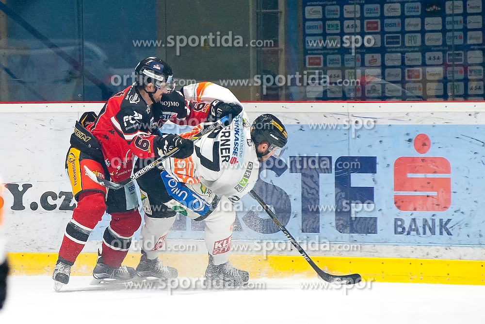 18.12.2015, Ice Rink, Znojmo, CZE, EBEL, HC Orli Znojmo vs Moser Medical Graz 99ers, 32. Runde, im Bild v.l. Ondrej Sedivy (HC Orli Znojmo) Stephen Werner (Graz 99ers) // during the Erste Bank Icehockey League 32nd round match between HC Orli Znojmo and Moser Medical Graz 99ers at the Ice Rink in Znojmo, Czech Republic on 2015/12/18. EXPA Pictures © 2015, PhotoCredit: EXPA/ Rostislav Pfeffer