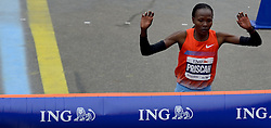 03-11-2013 ATLETIEK: NY MARATHON: NEW YORK <br /> De NY marathon werd bij de vrouwen door Priscah Jeptoo KEN in 02:25:07 gewonnen.<br /> ©2013-FotoHoogendoorn.nl