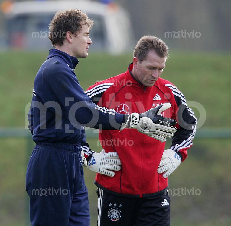 Fussball International Training Deutsche Nationalmannschaft Jens Lehmann (li) und Torwart - Trainer Andreas Kuepke