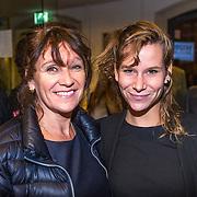 NLD/Leiden/20130930 - Premiere Garland, Renee Fokker en dochter