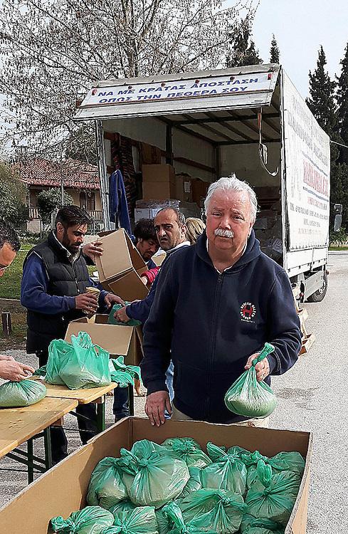 Hilfstransport f&uuml;r das Fl&uuml;chtlingslager Cherso/Grienchenland von &quot;Bauern hlefen Bauern - Salzburg&quot; <br /> !!FOTOS AUSSCHLIESSLICH F&Uuml;R DEN PRIVATEN GEBRAUCH!!