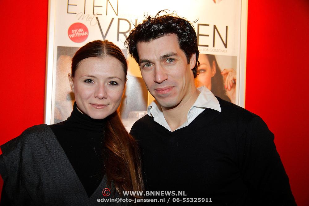 NLD/Hoofddorp/20120206 - Premiere Eten met Vrienden, Celine Purcell en partner Ohren Schrijver