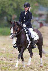 Peeters Silke (BEL) - Nemo vh Klavertje<br /> SBB Competitie Jonge Pony's<br /> Nationale Wedstrijd Zonnebeke 2013<br /> © Dirk Caremans