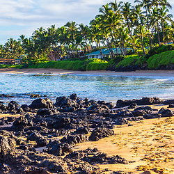 Keawakapu Beach panorama photo in Wailea Makena Maui Hawaii with lava rocks and the Pacific Ocean. Panoramic photo ratio is 1:3. Copyright ⓒ 2019 Paul Velgos with All Rights Reserved.