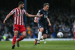 Simon Cox of Southend United controls the ball under pressure - Mandatory by-line: Arron Gent/JMP - 04/05/2019 - FOOTBALL - Roots Hall - Southend-on-Sea, England - Southend United v Sunderland - Sky Bet League One