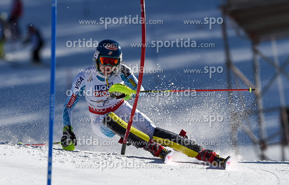 14.02.2015, Birds of Prey, Beaver Creek, USA, FIS Weltmeisterschaften Ski Alpin, Vail Beaver Creek 2015, Damen, Slalom, 2. Durchgang, im Bild Mikaela Shiffrin (USA, 1. Platz) // first placed Mikaela Shiffrin of the USA in action during 2nd run of the ladie's Slalom of FIS Ski World Championships 2015 at the Birds of Prey in Beaver Creek, United States on 2015/02/14. EXPA Pictures © 2015, PhotoCredit: EXPA/ Jonas Ericson