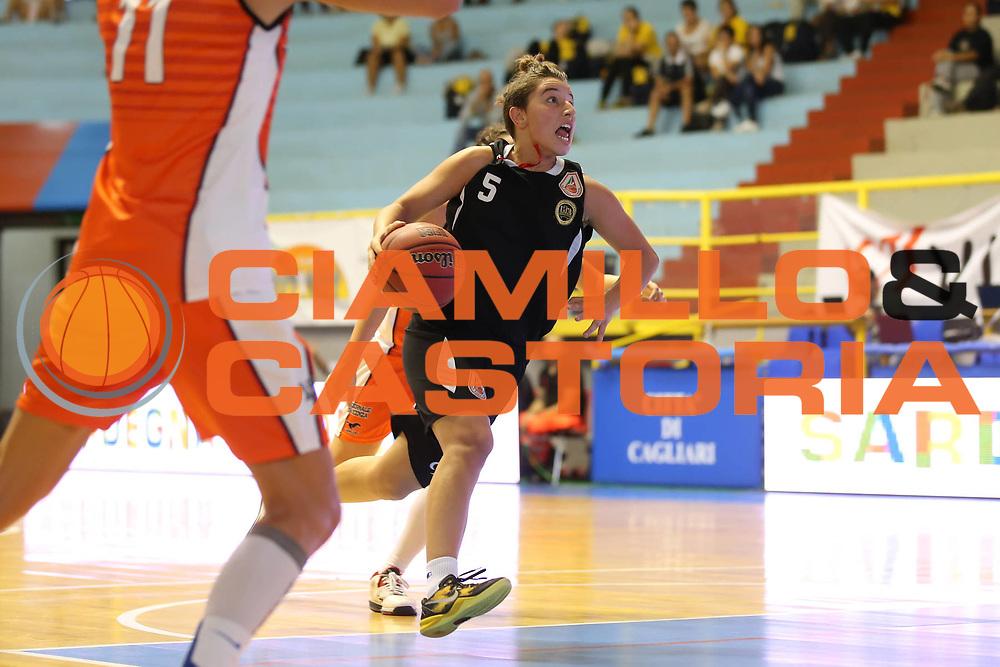DESCRIZIONE : Cagliari Lega A1 Femminile 2013-14 Opening Day 2013 Famila Wuber Schio CUS Chieti<br /> GIOCATORE : Giulia Sorrentino<br /> SQUADRA : Famila Wuber Schio CUS Chieti<br /> EVENTO : Campionato Lega A1 Femminile 2013-2014 <br /> GARA : Famila Wuber Schio CUS Chieti<br /> DATA : 13/10/2013<br /> CATEGORIA : <br /> SPORT : Pallacanestro <br /> AUTORE : Agenzia Ciamillo-Castoria/ElioCastoria<br /> Galleria : Lega Basket Femminile<br /> 2013-2014 <br /> Fotonotizia : Cagliari Lega A1 Femminile 2012-13 Opening Day 2013 Famila Wuber Schio CUS Chieti<br /> Predefinita :