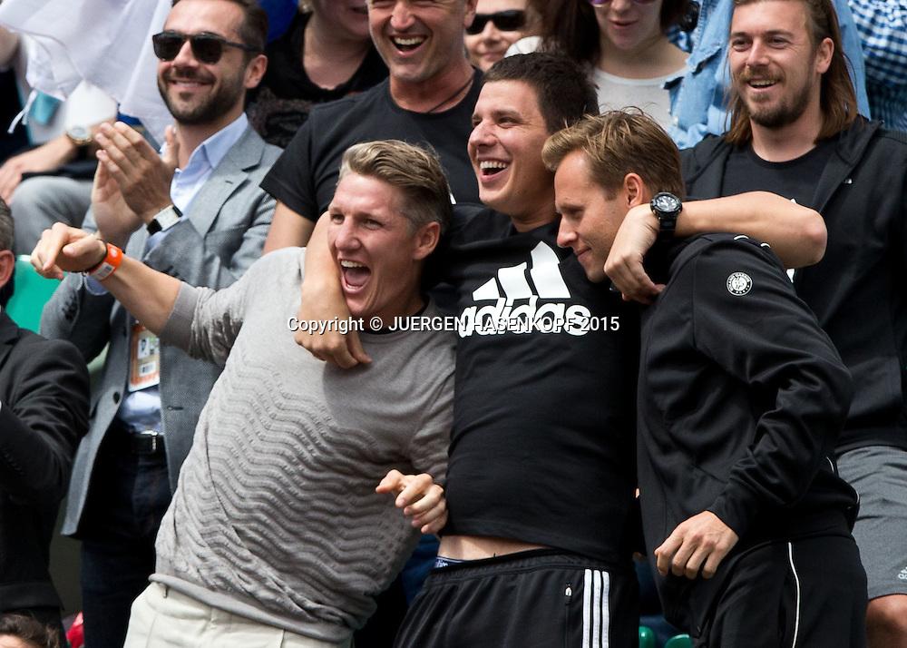 Team Ana Ivanovic in der Spieler Loge,L-R. Freund Bastian Schweinsteiger,Fitnesstrainer Zlatko Novkovic und Coach Mats Merkel,<br /> <br /> Tennis - French Open 2015 - Grand Slam ITF / ATP / WTA -  Roland Garros - Paris -  - France  - 2 June 2015.