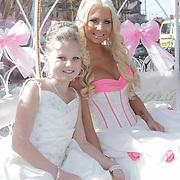 NLD/Den Haag/20120401 - Huwelijk Barbie en Michael van der Plas,