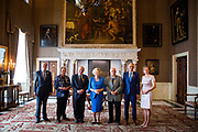 Prinses Beatrix reikt Zilveren Anjers uit op het Koninklijk Paleis in Amsterdam.<br /> <br /> Princess Beatrix at the award ceremony of theZilveren Anjers  in the the Royal Palace in Amsterdam.<br /> <br /> Op de foto / On the photo:  Prinses Beatrix met laureaat Jack Kooistra en laureaat Eric Zwijnenberg