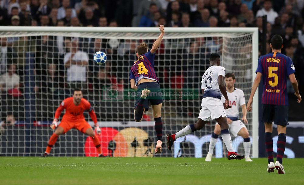صور مباراة : توتنهام - برشلونة 2-4 ( 03-10-2018 )  38927706