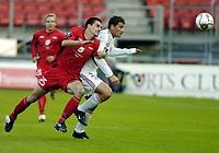 Fotball, Uefa cup, 15 September 2005, Brann - Lokomotiv Moskva, resultat 1-2, Paul Scharner, Brann, i kamp med Francesco Ruopolo, Lokomotiv Mokva.