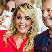 NLD/Amsterdam/20160829 - Seizoenspresentatie RTL 2016 / 2017, Chantal Janzen en Carlo Boszhard