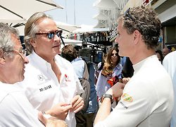 SAO PAULO, BRAZIL - Friday, October 31, 2008: David Coulthard and actor Michael Douglas during practice for during the Brazilian Formula One Grand Prix at the Interlagos Circuit. (Photo by Juergen Tap/Hochzwei/Propaganda)