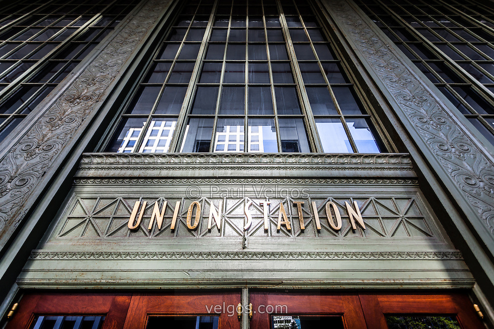 Chicago Union Station sign and entrance. Union Station opened in 1925 and serves as a train station for commuter trains.