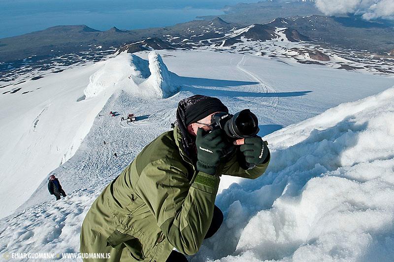 Ýmsar fjölskyldumyndir eða prívat. Us in photographic action in Iceland.