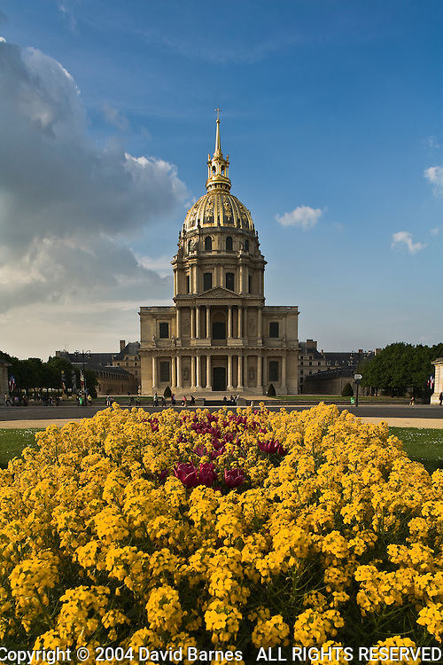 Hotel des Invalides, flowers, Paris, France